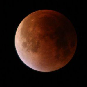 La lune lors de l'éclipse lunaire du 28 septembre 2015